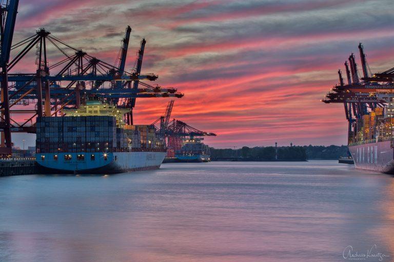 Abenddämmerung am Walterhofer Hafen IV