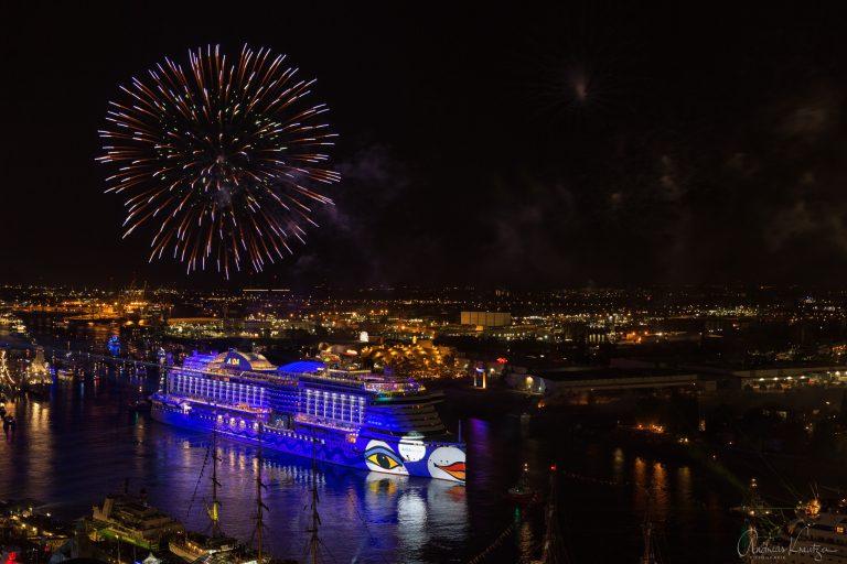 AIDA Feuerwerk am 827. Hafengeburtstag IV