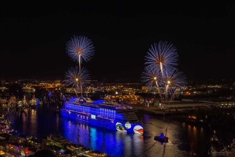 AIDA Feuerwerk am 827. Hafengeburtstag V