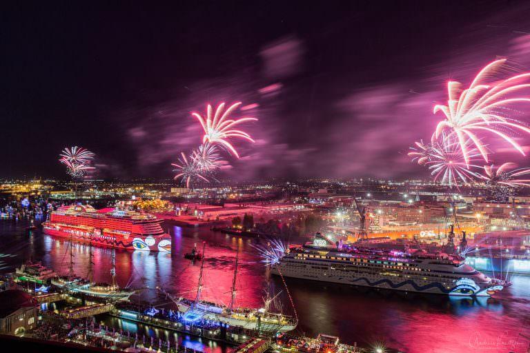 AIDA Feuerwerk am 827. Hafengeburtstag VI