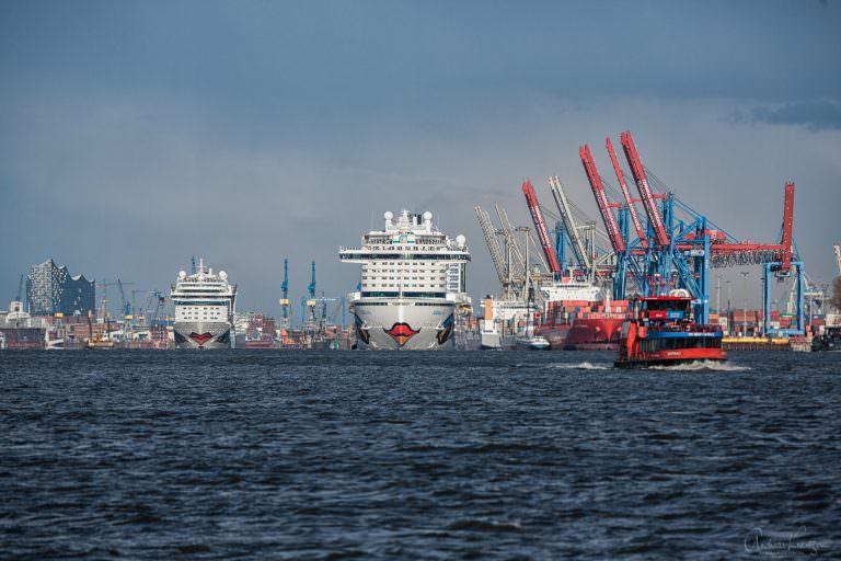 AIDAprima und AIDAmar in Hamburg V