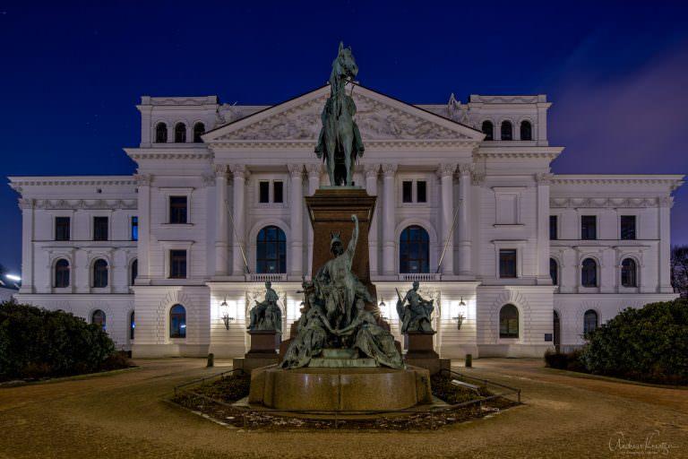 Altonaer Rathaus V