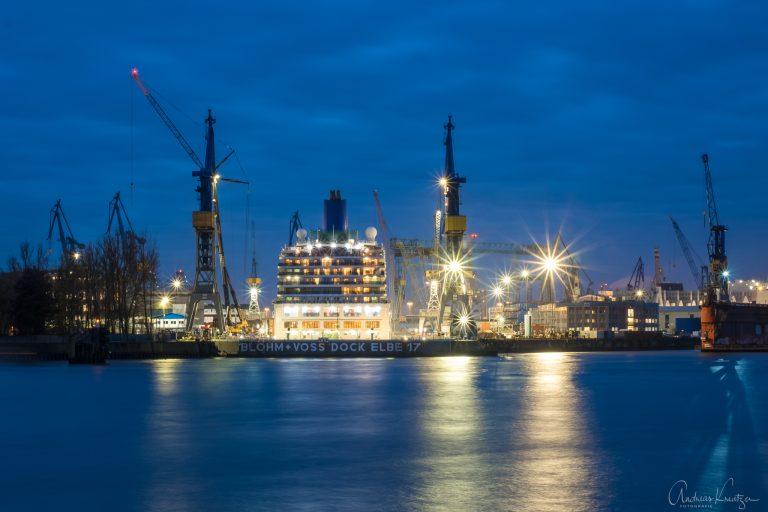 Arcadia im Dock von Blohm & Voss