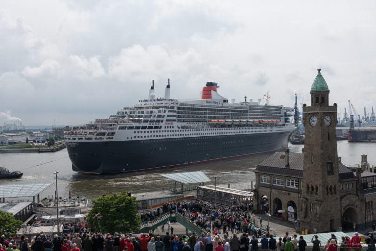 Ausdocken der Queen Mary 2 III