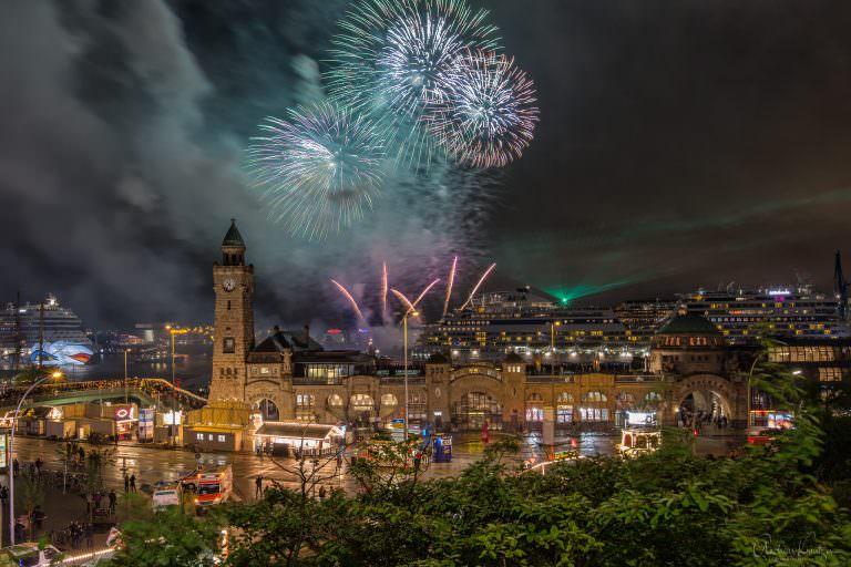 Feuerwerk beim 825. Hafengeburtstag IV