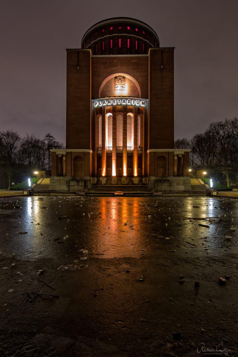 Hamburger Planetarium im Winter II