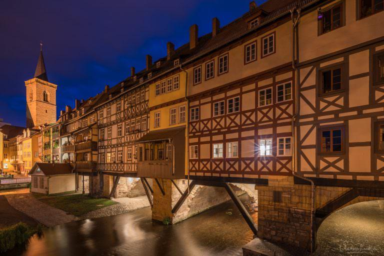 Krämerbrücke in Erfurt zur blauen Stunde