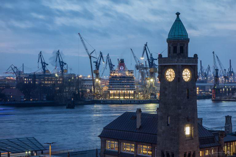 Queen Elisabeth im Dock I