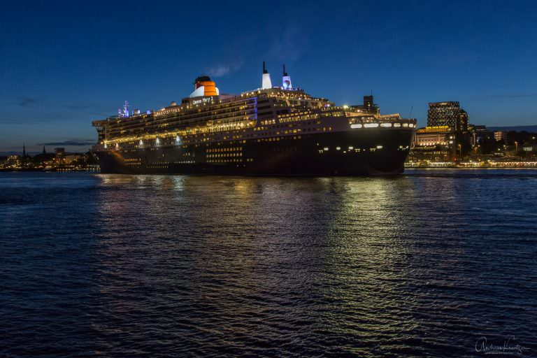 Queen Mary 2 - 0614 -V