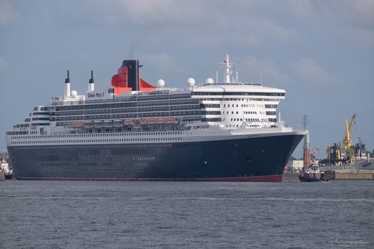 Queen Mary 2 auf dem Weg zum Eindocken I