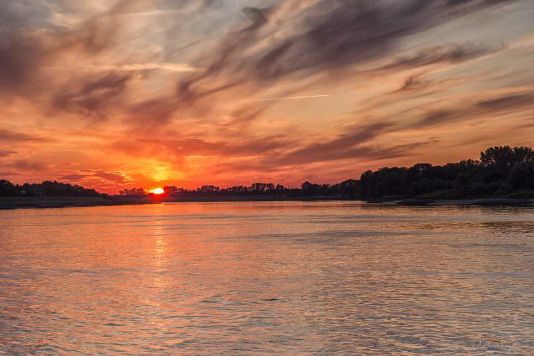 Sonnenuntergang an der Elbe 0714 III