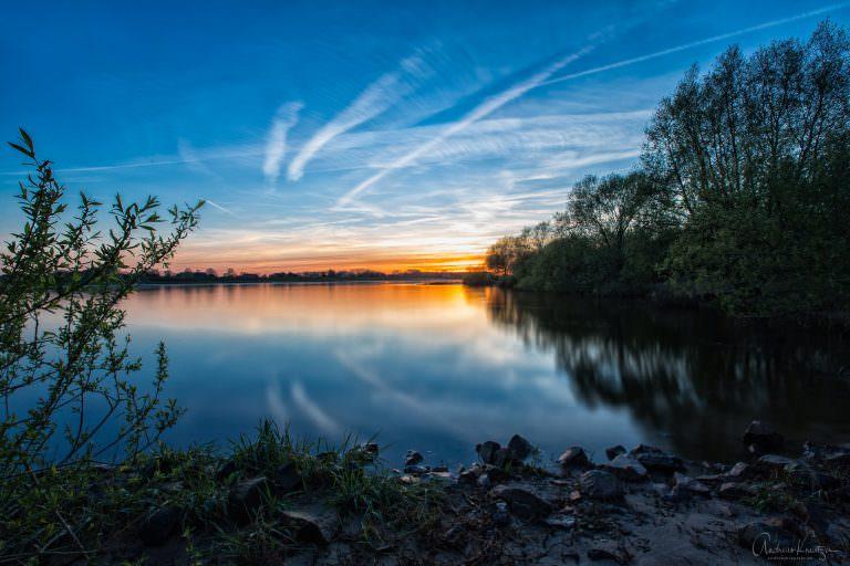 Sonnenuntergang an der Elbe XI