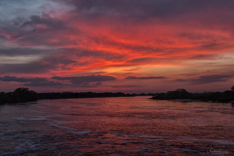 Sonnenuntergang an der Elbe XIV