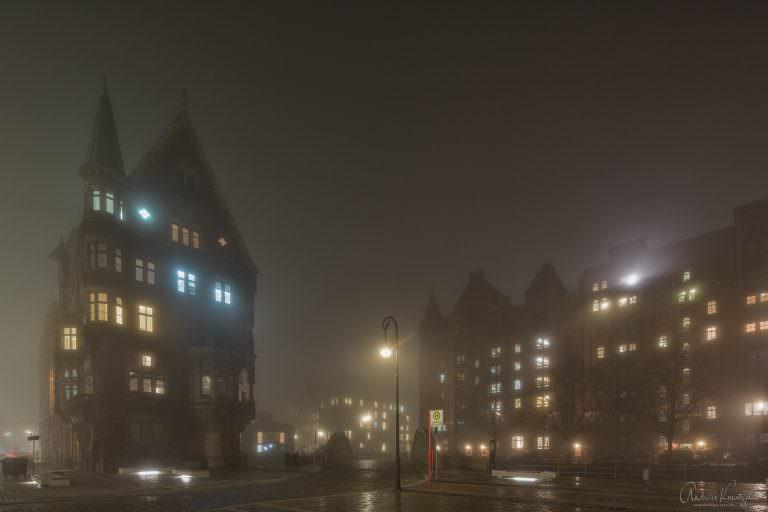 Speicherstadt im Nebel 1114 II